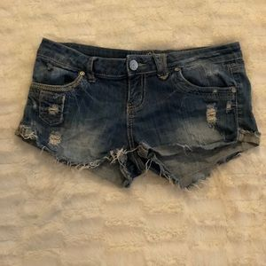 Size 8 distressed booty short shorts